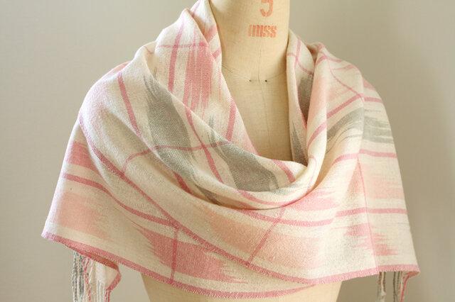 手織り ピンクとグレーの絣柄ストールの画像1枚目