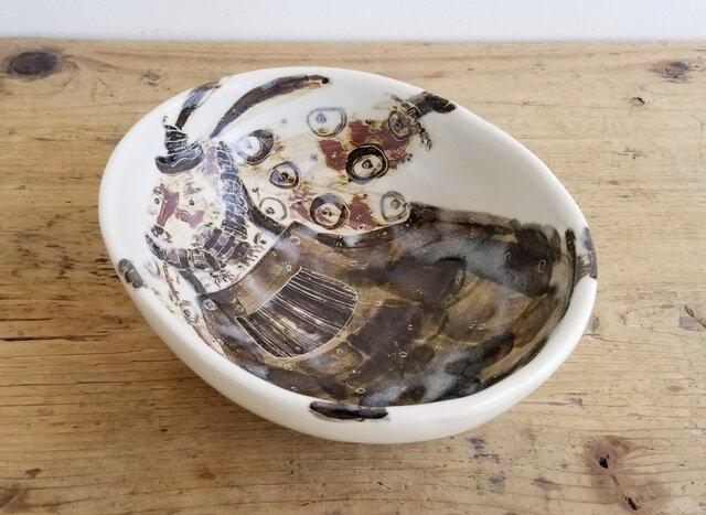 中に一匹居る楕円鉢 (オーバーオール)の画像1枚目
