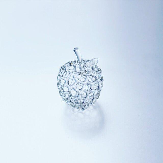 小さなりんごのオブジェの画像1枚目