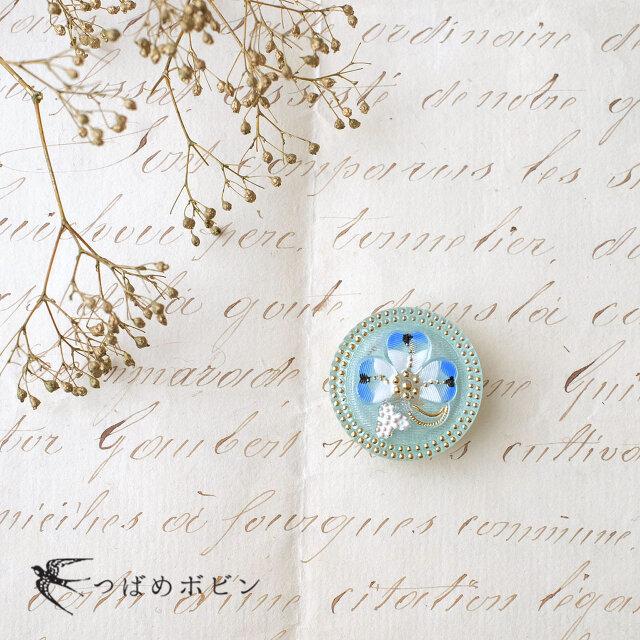 チェコ製ガラスボタンの帯留◎クローバー/ブルー【送料無料】の画像1枚目