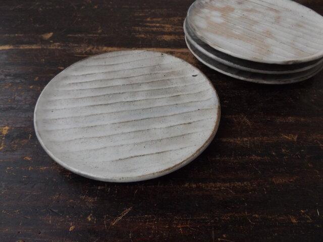 さび粉引き面取り中皿の画像1枚目