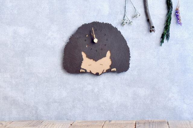 アイアンテイストを楽しむハリネズミの時計 木製 掛け時計の画像1枚目