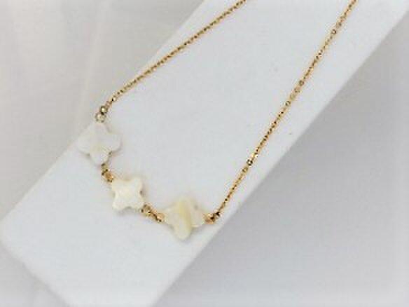 【ネックレス】クロスカット白蝶貝3ミルキー・金の画像1枚目