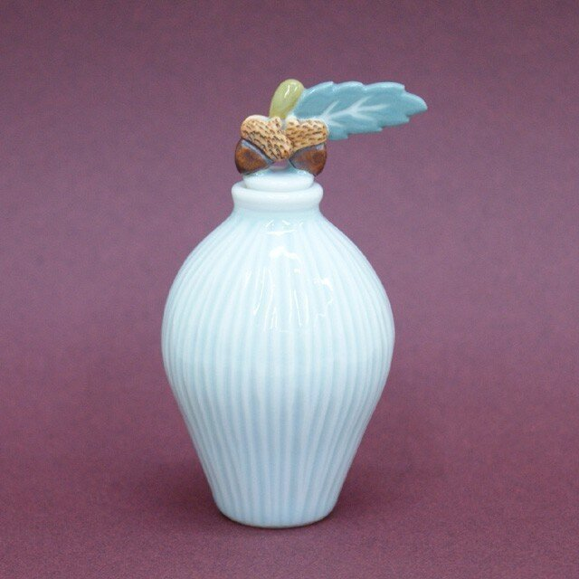 小瓶 「どんぐり」の画像1枚目