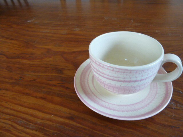 【完売御礼】飛びかんなのカップ&ソーサー(ピンク)の画像1枚目
