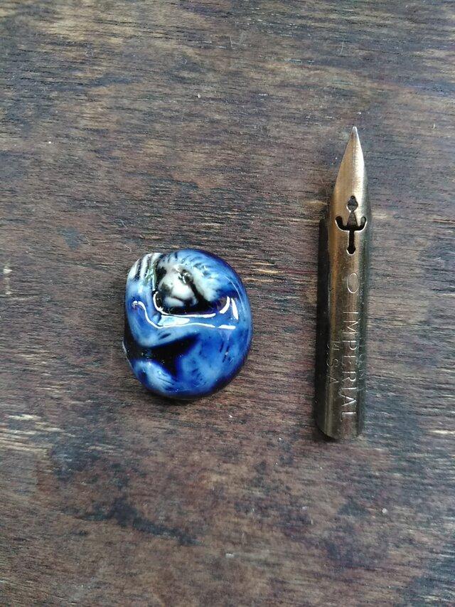 動物石 ナマケモノ(紺色)の画像1枚目