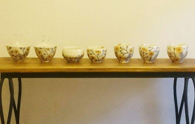 お花のカップの画像1枚目
