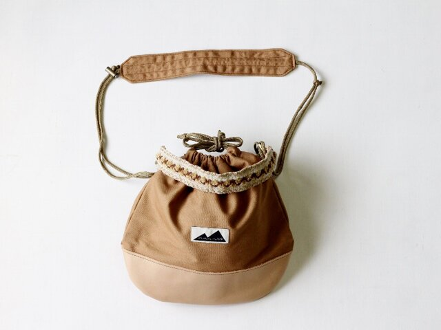 KURI BAG   キャメル 2WAY巾着バッグ*肩かけ/手提げ/バッグイン/サコッシュの画像1枚目