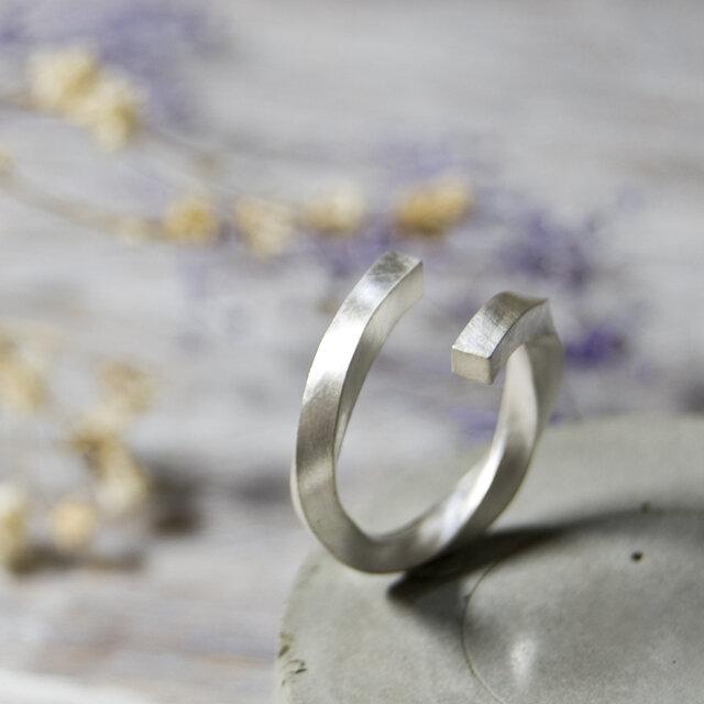 つや消し シルバーツイストリング フリーサイズ 2.5mm幅 マット シルバー950|SILVER 指輪 シンプル|258の画像1枚目