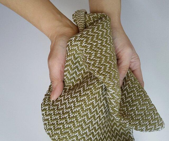手織りハンカチ 汗をしっかり吸収してくれるコットンハンカチ オリーブグリーンの画像1枚目