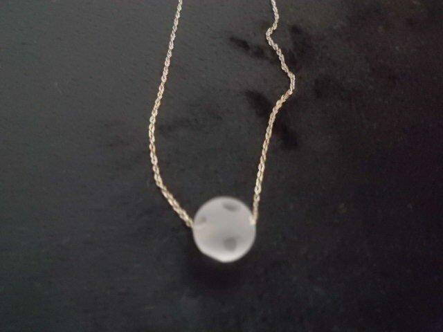水玉水晶ネックレスの画像1枚目