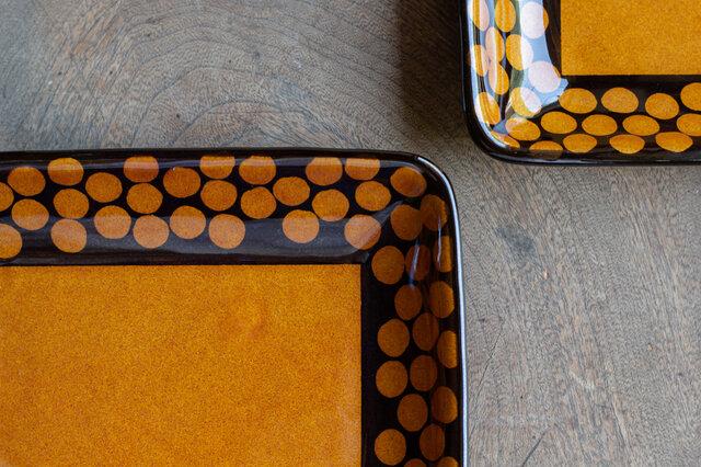 飴釉四角皿(HACHINOSU)の画像1枚目