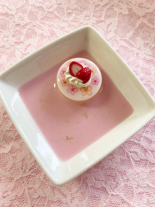 桜デザインケーキのアクセサリートレイの画像1枚目