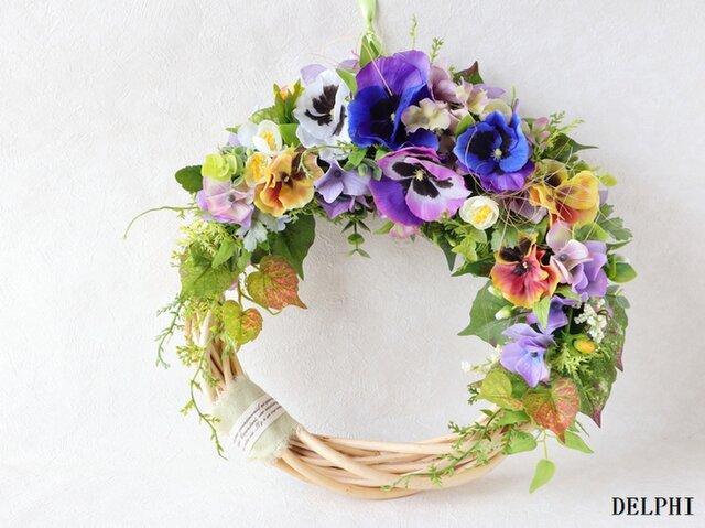 パンジーと紫陽花の三日月リース【アーティフィシャルフラワー】お誕生日祝い 開店祝い 新築祝いの画像1枚目