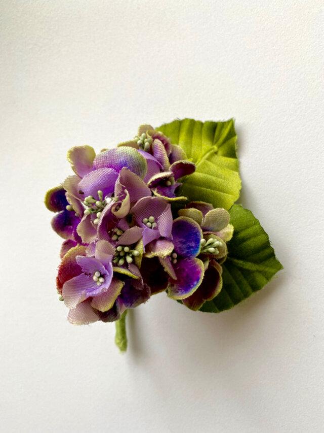 布花 小さな紫陽花のコサージュ Aの画像1枚目