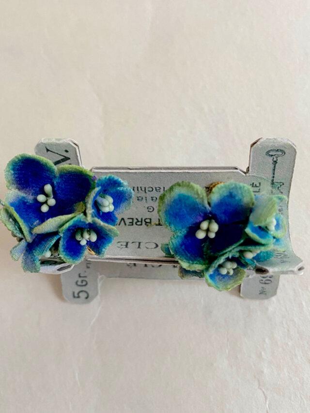 布花 ブルー紫陽花のイヤリングの画像1枚目