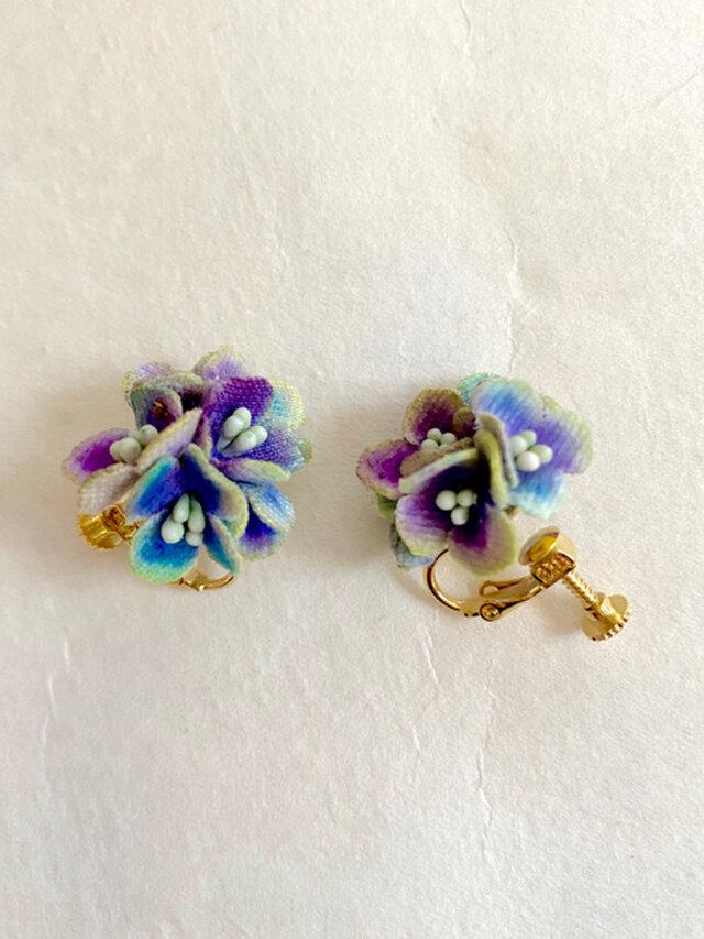 布花 パープル紫陽花のイヤリングの画像1枚目