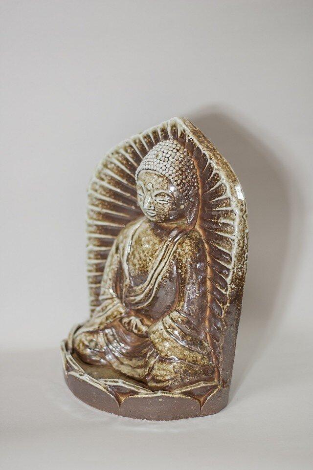 自然釉焼締阿弥陀如来座像の画像1枚目