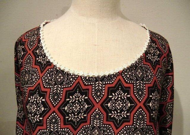 〔sale!〕着物から紋章柄のドルマンブラウスの画像1枚目