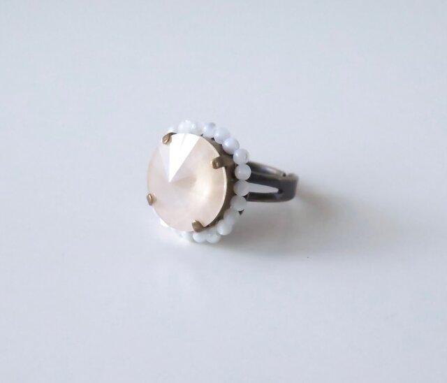とんがりスワロフスキーのリング(ベージュピンク)の画像1枚目