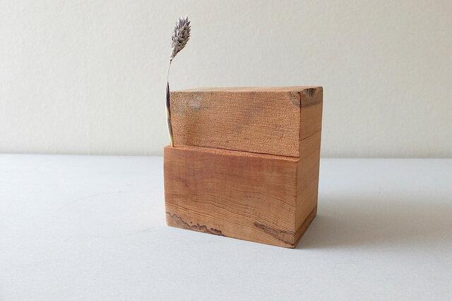 屋久杉の花器(A)の画像1枚目