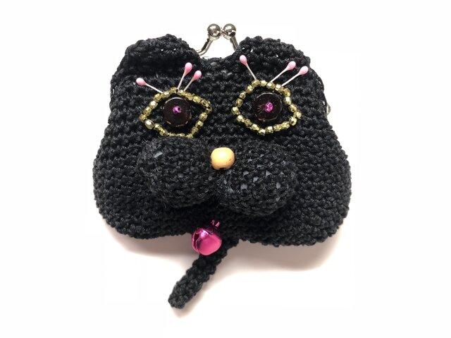 目がランランの黒猫の画像1枚目