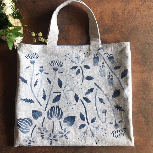 藍錠染めバッグ 初夏の野草の花の画像1枚目
