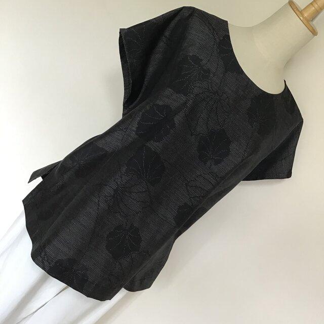 0717「K様ご予約ページ」 着物リメイク M寸法のラウンドネックブラウス 紬の画像1枚目