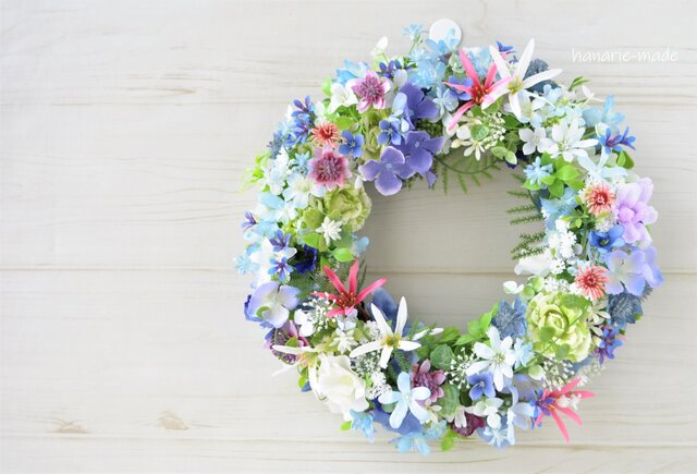 yさま order +blueの花 ピンクネリネとローズ・白い小花のリース:ピンク 青 グリーンの画像1枚目