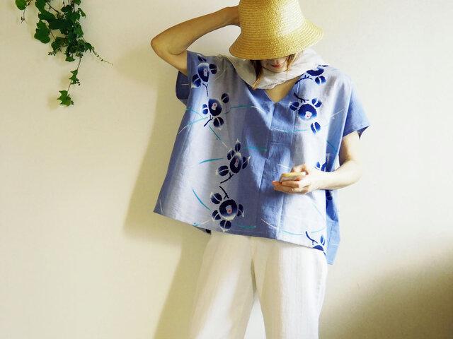 涼しい! ビッグシルエット  ぼかしブルー花柄 Vネックフレンチ袖トップス-浴衣からの画像1枚目