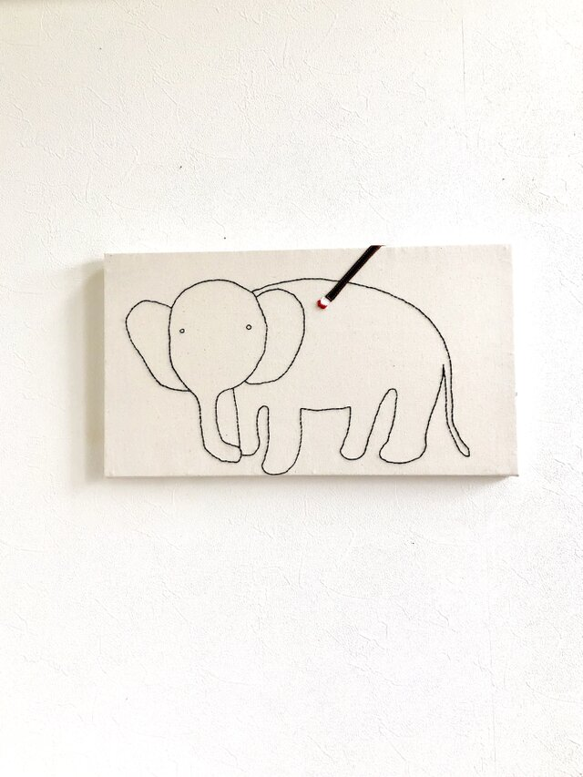 ファブリックパネル  象の塗り絵の画像1枚目