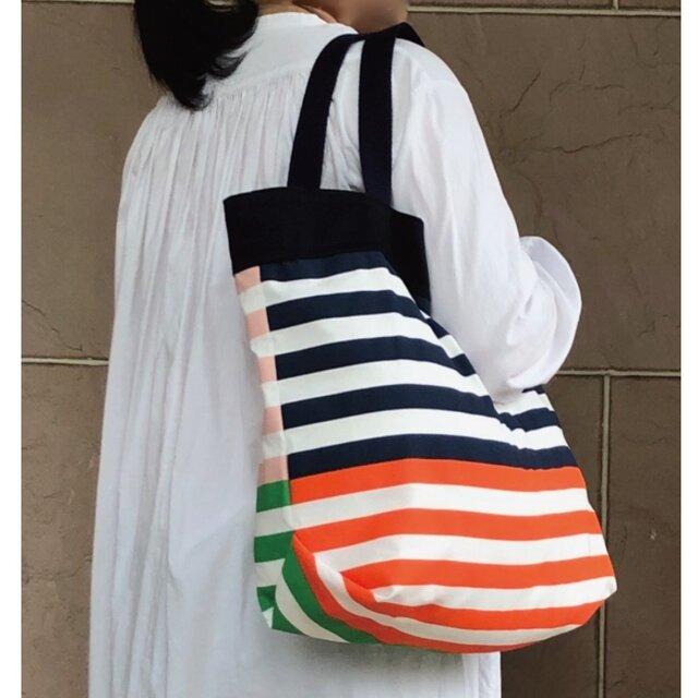 コンパクト おかいのもかばん 裏表色が違う からふるボーダー 紺受注製作の画像1枚目