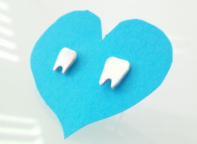 歯のシルバーピアス/ Have a good teeth!の画像1枚目
