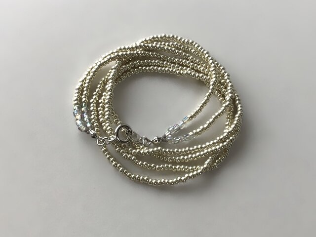 銀色のシードビーズの2連ネックレス /受注制作の画像1枚目