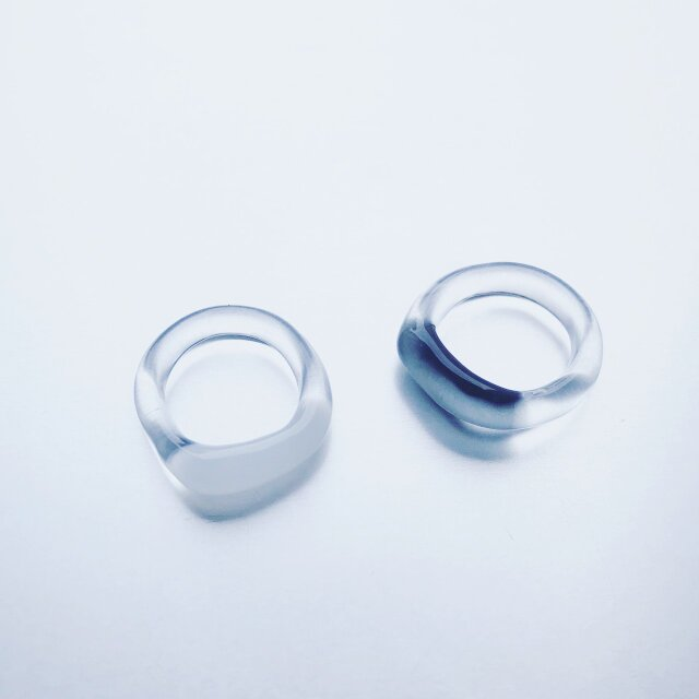 Trapèze shaped Ring / Black or Whiteの画像1枚目