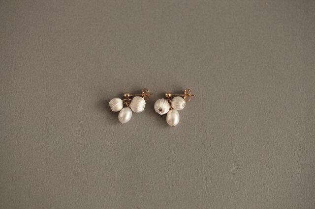 CP-014 mitsubu pierce silk pearl  【イヤリング交換可】の画像1枚目