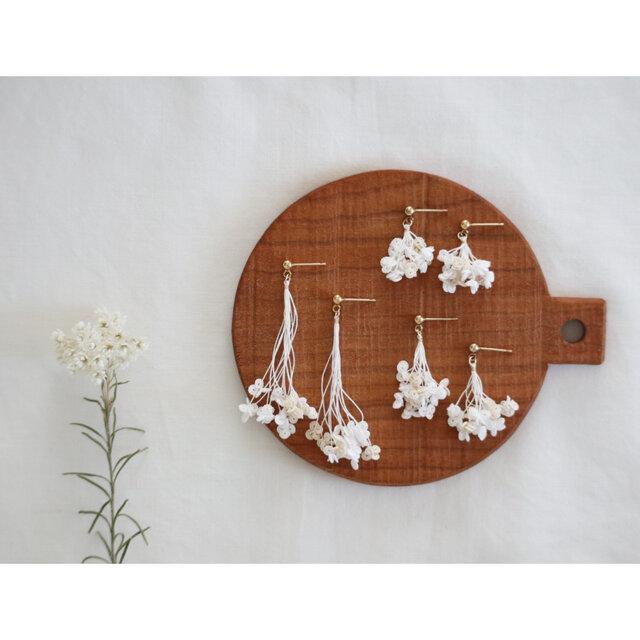 【14kgf】糸の花束ピアスの画像1枚目