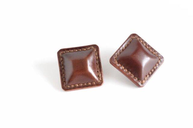 """【レザーピアス/イヤリング】Cordovan Airas~square~""""brown""""の画像1枚目"""