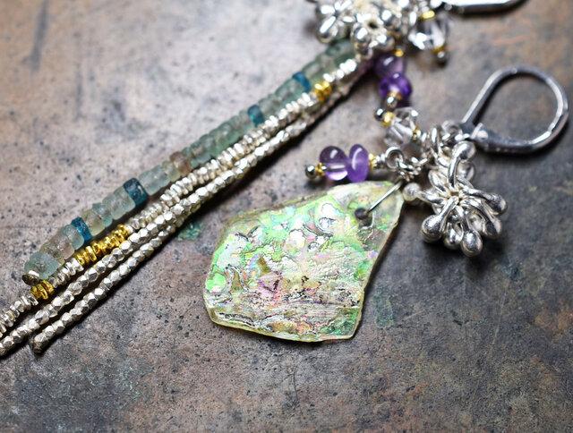 銀化&小さなローマングラスと、カレンシルバー、ハーキマーダイヤモンド、アメジストのアンシメトリーピアスの画像1枚目