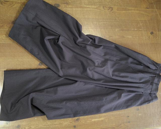 ワイドパンツ 膝下脇タック(茄子紺)の画像1枚目