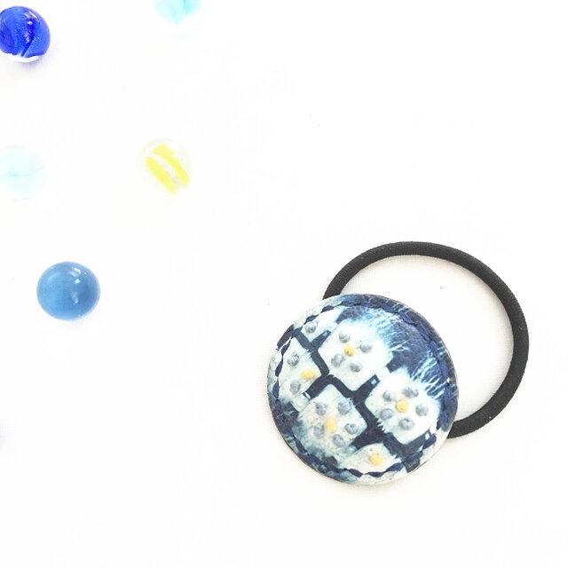 革の藍絞り染 hear accessary フラワー(M)の画像1枚目