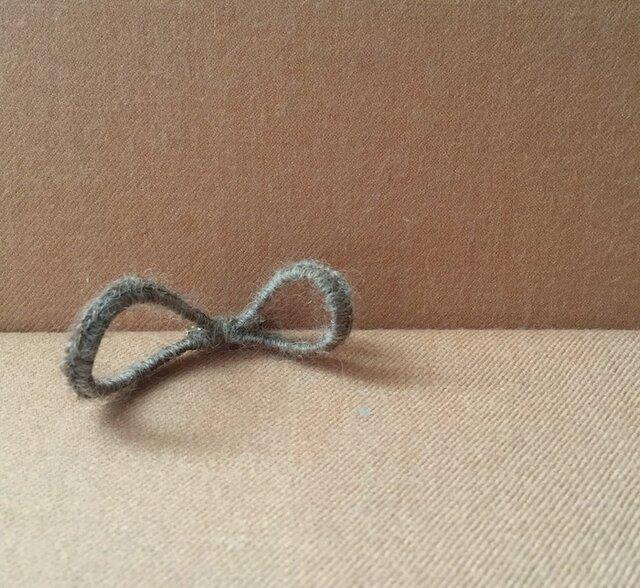 インフィニティ∞ブローチ 手紡ぎ糸 Sの画像1枚目