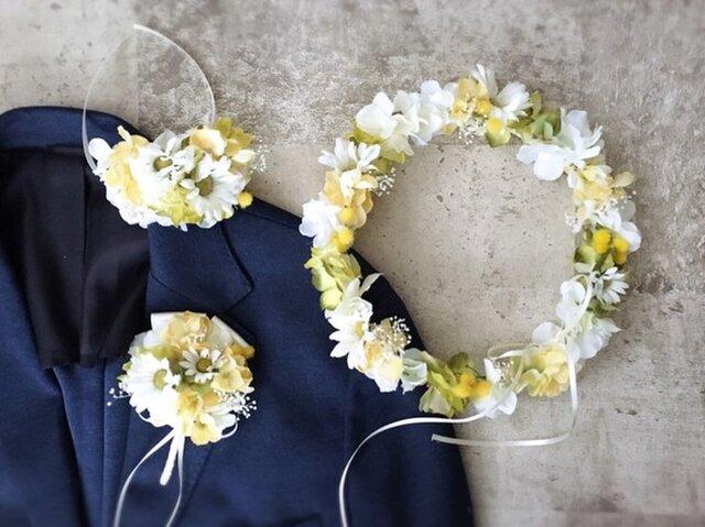 ミモザ&デイジーの黄色い花冠&リストブーケ&ブートニア3点セットの画像1枚目