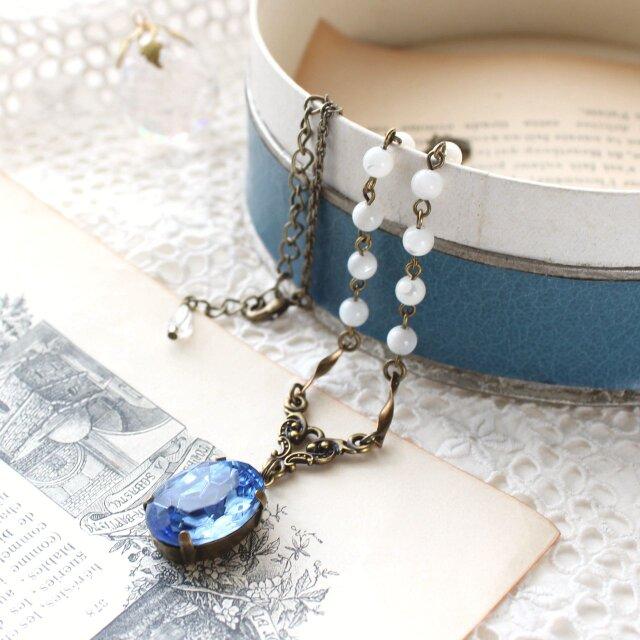 ヴィンテージ・サファイアブルーとマザーオブパール エーゲ海色のアンティークstyle ネックレスの画像1枚目
