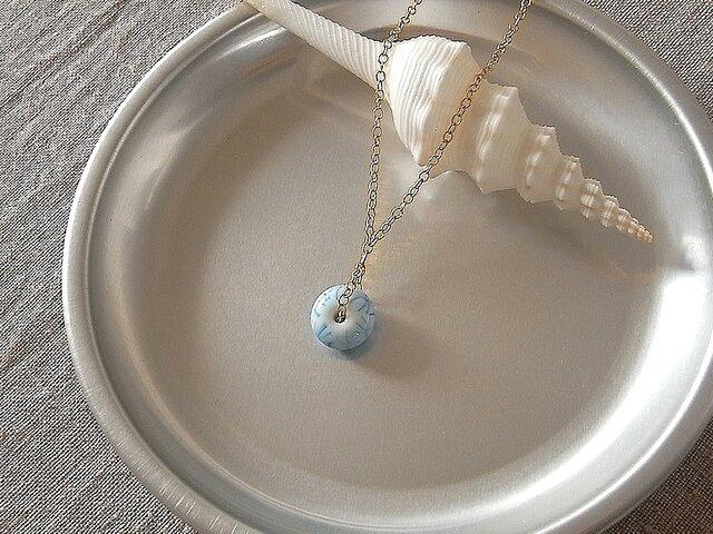 【送料無料】ガラス球ネックレス・水色・ガラス製の画像1枚目