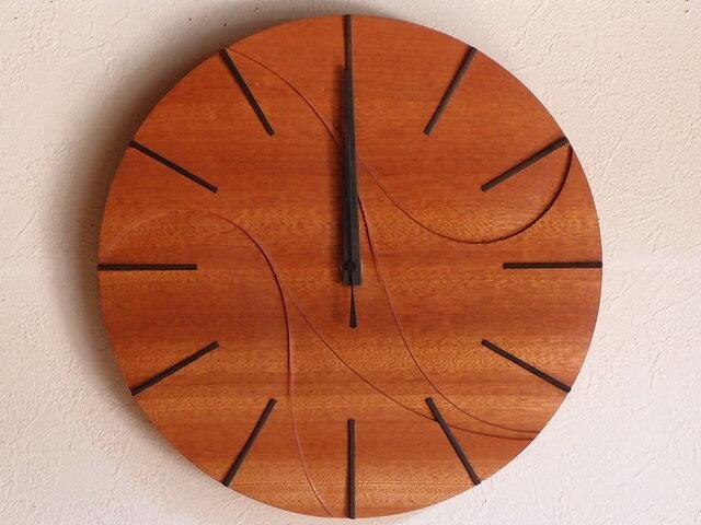 無垢の木の電波掛け時計 サペリ 0004の画像1枚目
