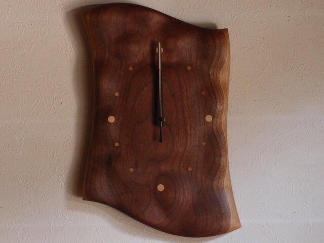 無垢の木の電波掛け時計 ブラックウォールナット 0054の画像1枚目