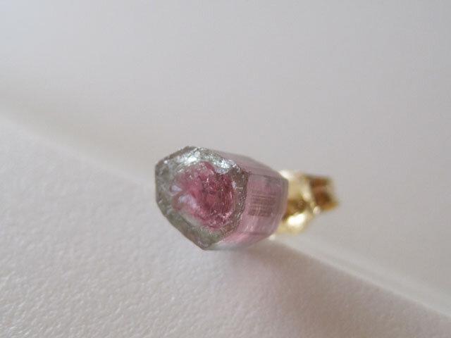 トルマリンの原石ピアス/Wateremelon 14kgf 片耳の画像1枚目