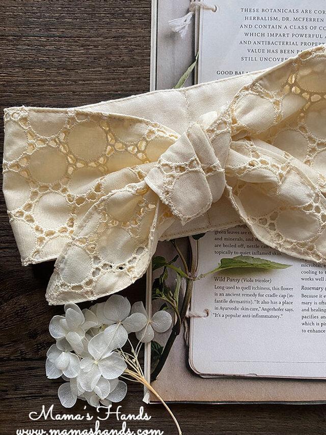 保冷剤 刺繍 上品 円形 ダイカット 生成り 綿100% 節約 快適 エコ 夏 スカーフ ネッククーラーの画像1枚目
