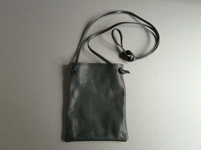 flat shoulder bag (black)の画像1枚目